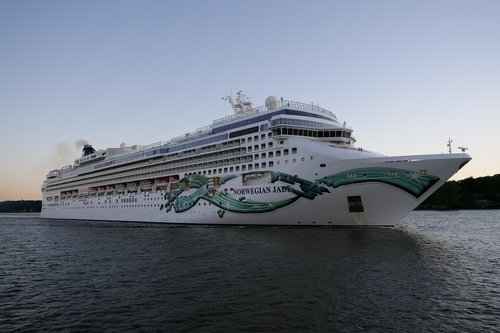 cruise ship  cruise  norwegian jade