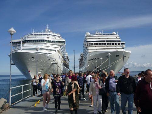 cruise ships ships cruise