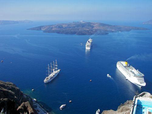 cruise ships greece cyclades
