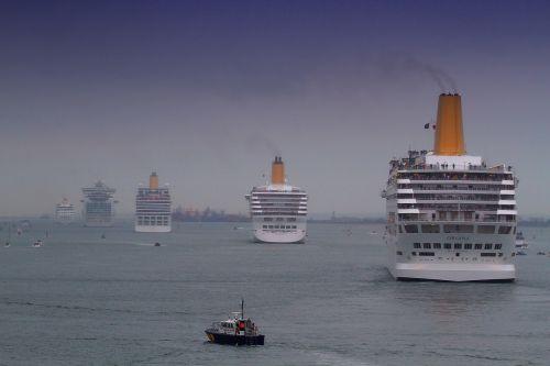 cruise ships fleet event