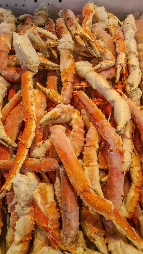 crustaceans crab tongs