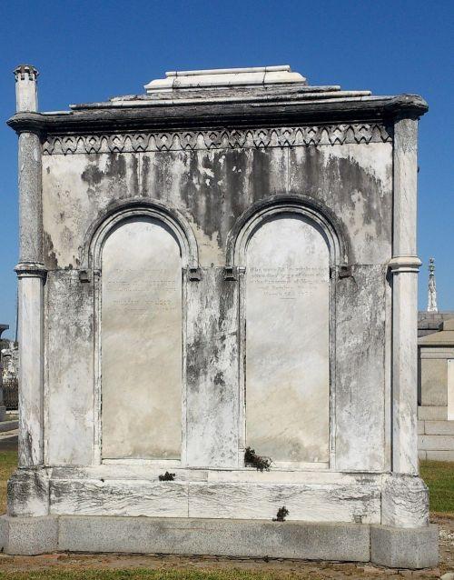 crypt cemetery tombstone