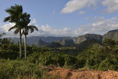 cuba  viñales valley  landscape