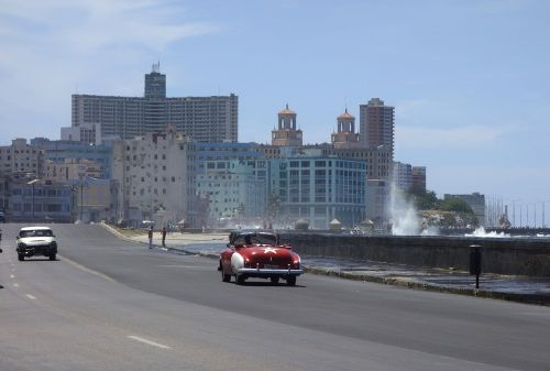 Kuba, Havana, jūra, naršyti, banga, purkšti, oldtimer, saulė, karibai, tropikai, kabrioletas, viešbutis, kai, siena, automatinis, žmogus, mėlynas, transporto priemonė, kubos, egzotiškas, atogrąžų, linksma, ispaniškas, požiūris į gyvenimą, egzotizmas, Latino ispaniškas, miestas, gyvenimo džiaugsmas, kelionė