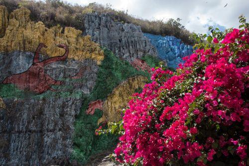 cuba valle de viñales mural de la prehistoria