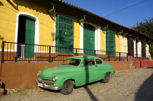 Kuba,Havana,Trinidadas,automatinis,oldtimer,saulė,karibai,tropikai,siena,transporto priemonė,egzotiškas,atogrąžų,linksma,kubos,ispaniškas,požiūris į gyvenimą,egzotizmas,Latino ispaniškas,miestas,gyvenimo džiaugsmas,kelionė,žalias,geltona,šviesa,langas,namai,šventė,nuotykis,tradiciškai