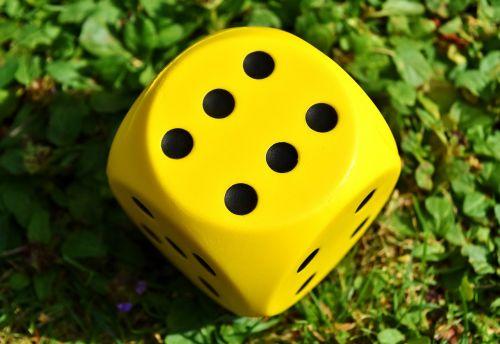 cube play yellow