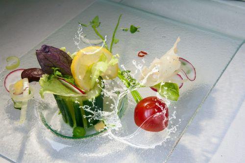 cucumber salad tomato
