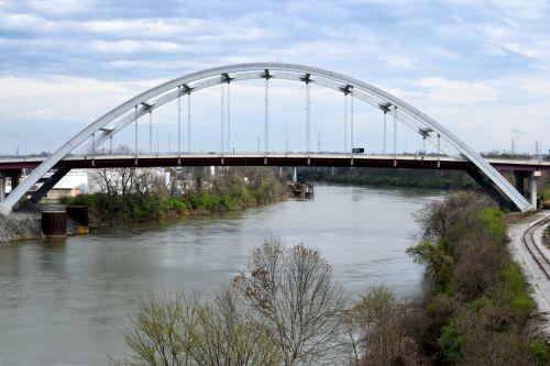 Cumberland Bridge
