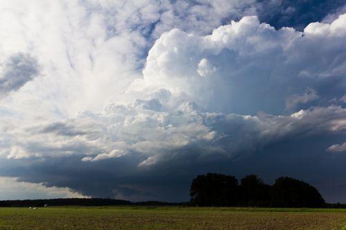 cumulonimbus storm hunting meteorology