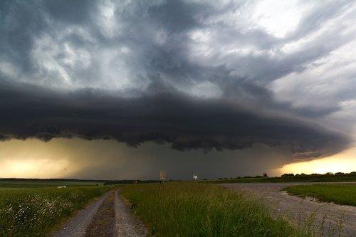 cumulonimbus  meteorology  thunderstorm