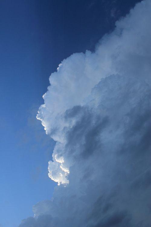cumulonimbus clouds thundercloud