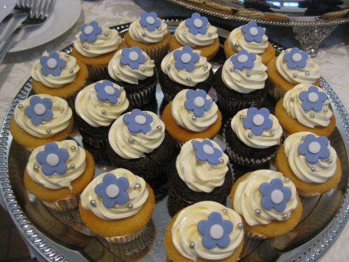 cupcakes pretty buttercream