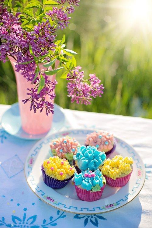 cupcakes  russian tips  lilacs