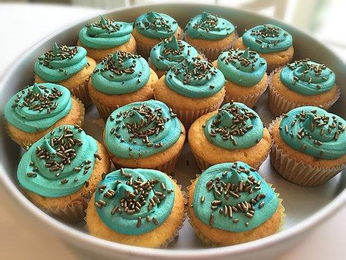 cupcakes  teal  cake