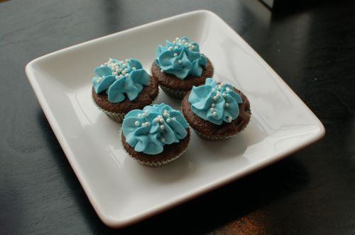 cupcakes plate blue