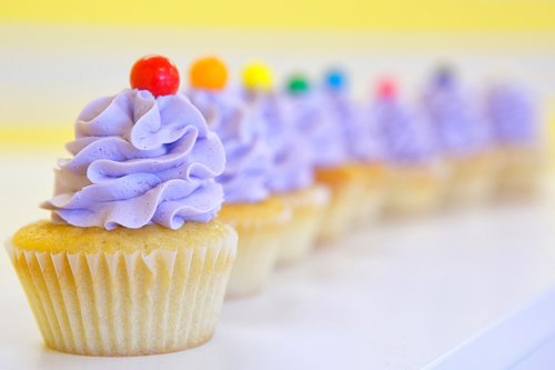 cupcakes  frosting  purple