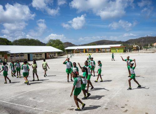 curacao school students
