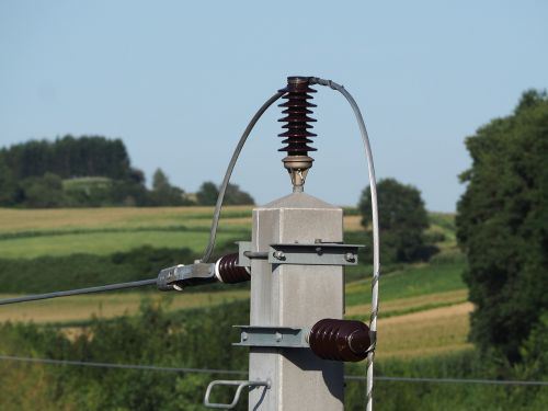 current high voltage electricity