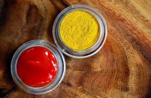 curry  ketchup  spices