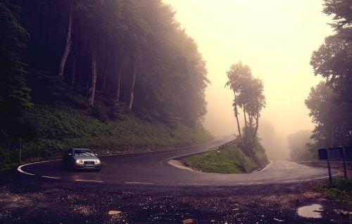kreivė,Debesuota,kelias,automobilis,rūkas,pavojingas
