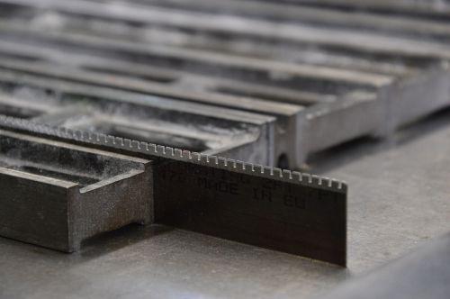 cutting bar pressure book printing