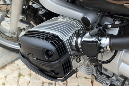 cylinder bmw motorcycle