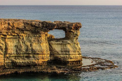 Kipras,cavo greko,jūros urvas
