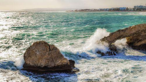 Kipras,ayia napa,ruduo,audringas,oras,bangos,nerami jūra,kraštovaizdis,Viduržemio jūros,uolos pakrantė,pakrantė,uolienų formavimas,meilužio tiltas,sala