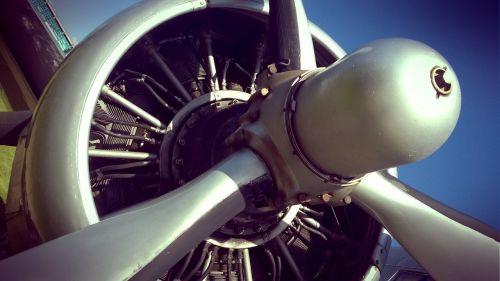 dakota propeller old plane