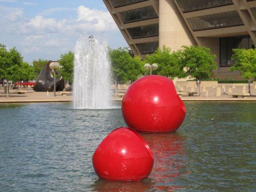 dallas city hall fountain