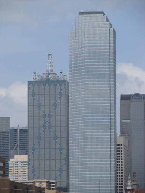 dallas skyline buildings