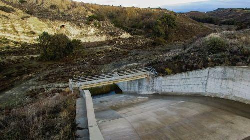 dam overflow landscape
