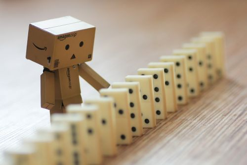 danbo domino macro