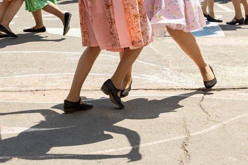 dance  girls  legs
