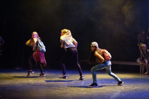 dance hip-hop stage