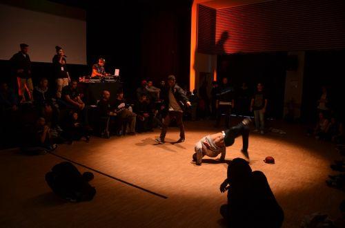 dance hip-hop battle