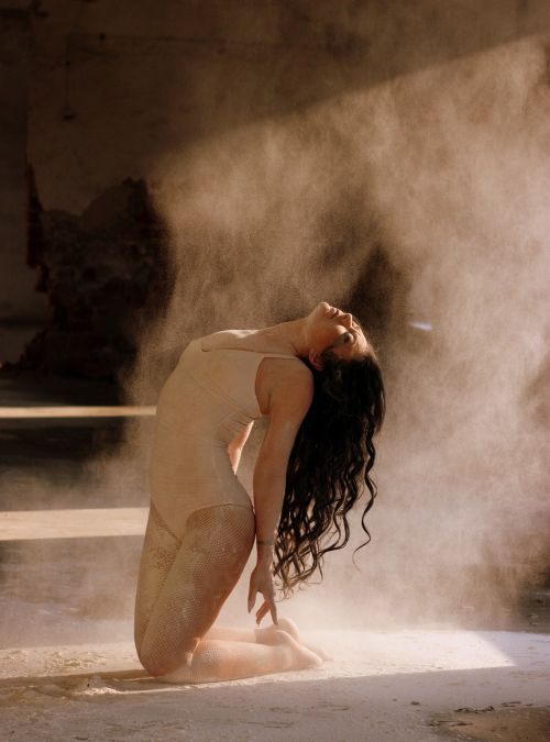 dancer flour motion