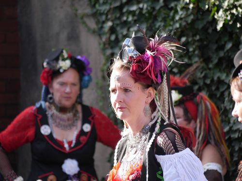 dancer folk costume