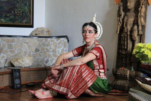 dancer resting india