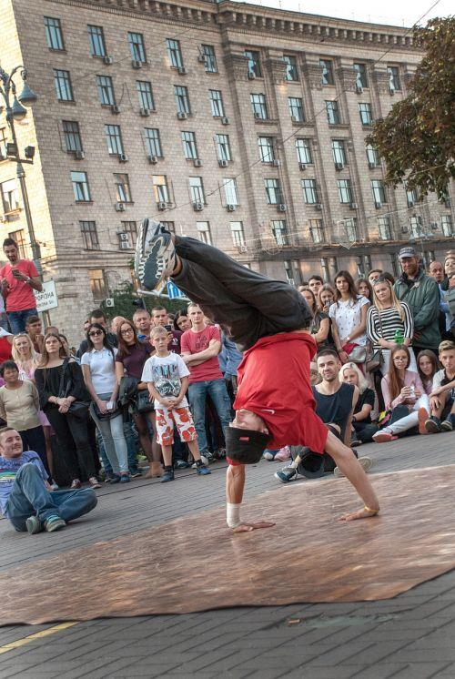 dancing hip hop sports