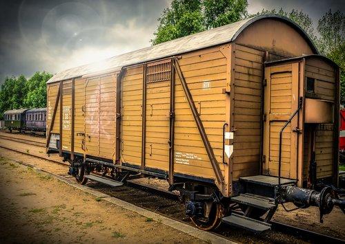 dare  wagon  wood