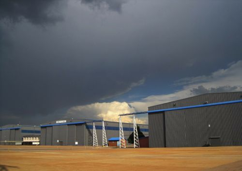 dark clouds hangers cloud