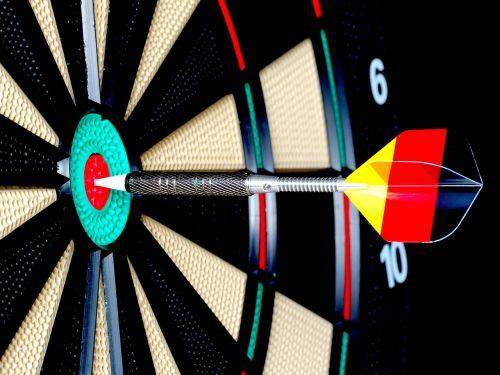 dart arrow bull's eye