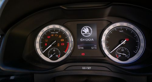 dashboard car speedometer