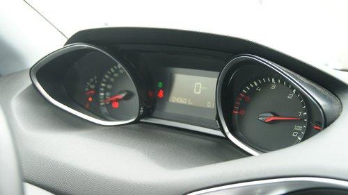 dashboard  peugeot  car