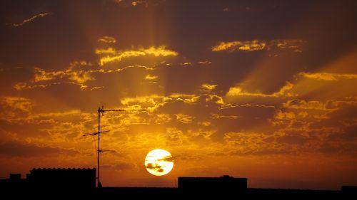 dawn sun city