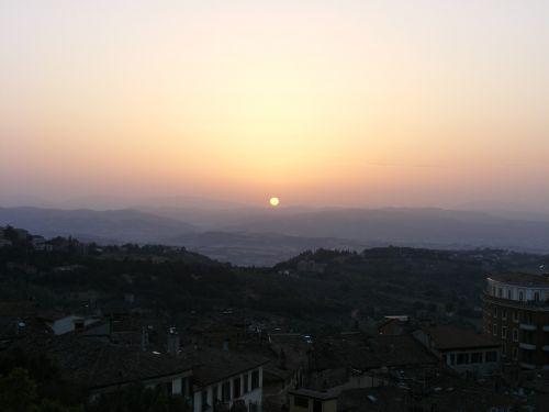 dawn perugia sun