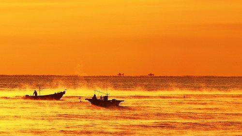 dawn  sea  between the tianjin airport