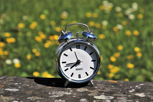daylight saving time  watch  measurement of time